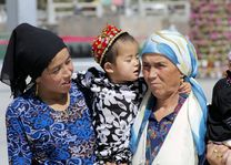 3 generaties - Kashgar - China - foto: pixabay
