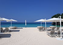 Crimson Resort and Spa - strand - Boracay - Filipijnen - foto: Floor Ebbers