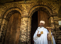 Ethiopië - priester - Gondar - foto: Ethiopia Travel