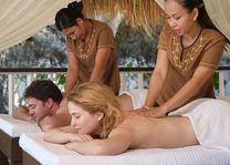 Filipijnen - Miniloc Island - koppel massage -huwelijksreis - honeymoon - copyright: El Nido Resorts - foto: El Nido Resorts Miniloc Island
