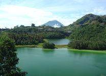 Indonesië - Java - Dieng Plateau - uitzicht vulkaan - foto: Daniel de Gruiter
