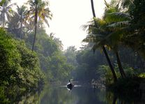 Indonesië - Kalimantan - bootje op de rivier - foto: pixabay