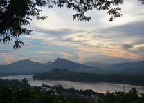 Laos - Luang Prabang - Phou Sy Hill - uitzicht - foto: Daniel de Gruiter