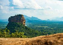 Lion Rock - vanaf Pidurangala - Sri Lanka - foto: shutterstock