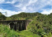 Nine Arches bridge - Ella - Sri Lanka - 1 - foto: Rianne Koot