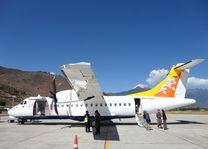 vliegtuig Drukair - Bhutan - foto: Marloes Wijnhoff