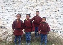 Brokpa jongens bij Mera Sakteng - Oost-Bhutan - Bhutan