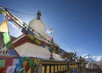 Vlaggetjes Everest mountain, Himalaya - Tibet - China - foto: Archief