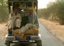 mannen in busje - India
