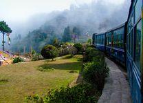 Zijaanzicht  trein - India - foto: Archief