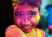 Jongetje tijdens het Holi festival - India - foto: archief