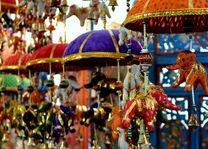 gekleurde olifanten als souvenir - India - foto: archief