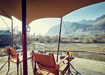zicht op Hunder vanaf veranda Chamba Camp - Diskit Ladakh - Chamba Camp - India - foto: Chamba Camp