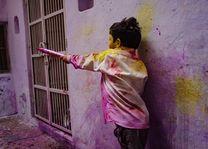 jongetje tijdens Holi - India - foto: Ashfaq Rah