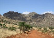 tsavo west landschap - tsavo west - Kenia - foto: Martijn Visscher