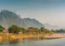 Nam Song River in de ochtend, Vang Vieng, Laos - Laos Vang Vieng - Laos - foto: Archief