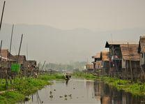 lokaal dorp - Inle Lake - Myanmar - foto: Daniel de Gruiter