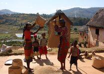Eten bereiden Betsileo Walk - Fianarantsoa - Fianarantsoa - Madagaskar - foto: Martijn Visscher
