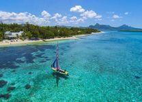 boot bij Astroea Beach Mauritius - Astroea Beach Mauritius - Mauritius - foto: Astroea Beach Mauritius