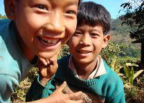 kinderen - Kalaw - Myanmar - foto: Berry ter Horst
