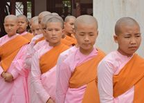 Novices in Hsipaw - Hsipaw - Myanmar - foto: Floor Ebbers