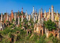 Kleine pagodas, In Dein - Myanmar - foto: Archief