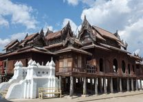 Shwe Yan Pyay temple, Inle Lake, Shan State - Myanmar - foto: Archief