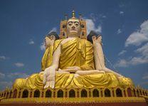 Grote Buddha beelden, Kyaikpun Pagoda, Bago - Myanmar - foto: Archief