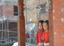 kinderen in Bhaktapur - Bhaktapur - Nepal - foto: Marloes Wijnhoff