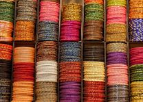 armbanden shopping Nepal - Nepal - foto: Archief