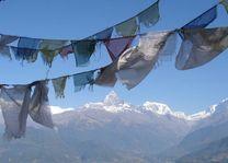 uitzicht gebedsvlaggen vanuit Sarangkot - Sarangkot - Nepal - foto: Archief