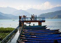 Pokhara steiger met boten Phewa Lake - Pokhara - Nepal - foto: Archief