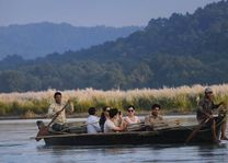 boottocht Chitwan National Park (1) - Chitwan National Park - Nepal - foto: Barahi Jungle Lodge
