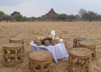picknick bij de tempels - Bagan - Myanmar - foto: Daniel de Gruiter