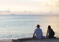 Reizigers bij Beau Vallon - Beau Vallon - Seychellen - foto: Archief
