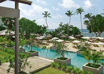 Zwembad en privéstrand van Kempinski Seychelles - Kempinski Seychelles - Seychellen - foto: Kempinski Seychelles