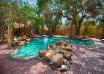 zwembad in het Jungle Beach Resort - Jungle Beach Resort - Sri Lanka
