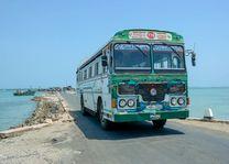 lokale bus in Jaffna - Jaffna - Sri Lanka - foto: Mieke Arendsen