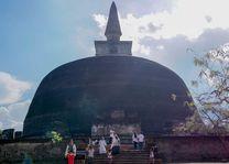 stoepa in Pollonaruwa - Pollonaruwa - Sri Lanka - foto: Mieke Arendsen