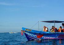 walvisexcursie in Trincomalee (2) - Trincomalee - Sri Lanka - foto: Mieke Arendsen