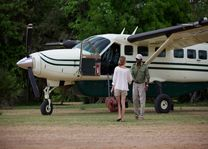 Vlucht per light aircraft - Rufiji River Camp - Tanzania - foto: Niels van Gijn - Foxes Safari Camps