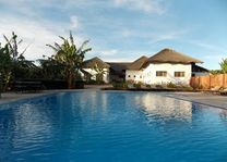 Farmhouse Valley zwembad - Armera River Lodge - Tanzania - foto: Martijn Visscher