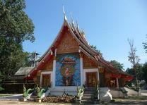 tempel - Chiang Khan - Thailand - foto: Floor Ebbers