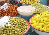 kraam olijven en groente - Thailand