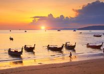Sunset vissersboten Krabi, Phang Nga Bay - Thailand - foto: Archief