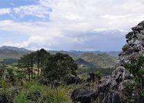 uitzicht gebergte - Loikaw - Myanmar - foto: Daniel de Gruiter