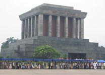 Ho Chi Minh Mausoleum - Hanoi - Vietnam - foto: Berry ter Horst