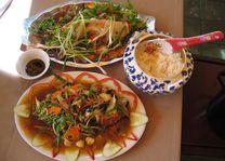 eten - Vietnam - foto: Berry ter Horst