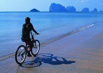 fietsen op strand - Nha Trang - Vietnam