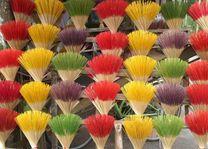 gekleurde wierookstokjes - Vietnam